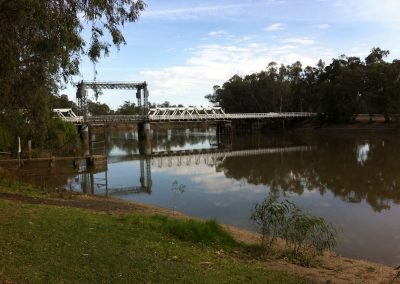 Bridge over the Murray at Swan Hill