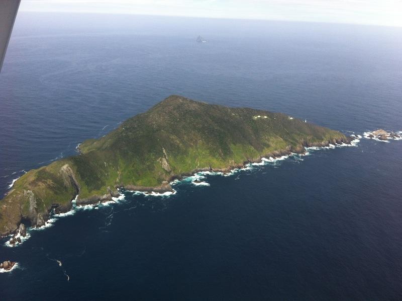 Разыскивается пара, готовая провести на острове полгода без интернета и ТВ